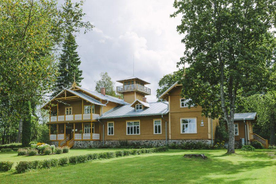 C.R. Jakobsoni elumaja