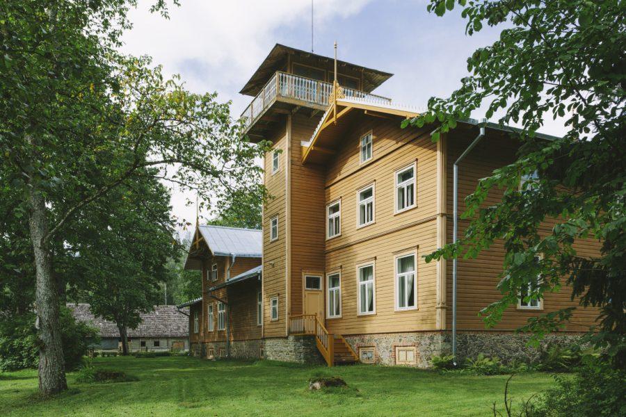C.R. Jakobsoni elumaja vaatetorn