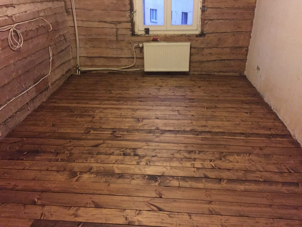 Õlivahaga viimistletud laudpõrand. (Tallinn, Tatari asum)