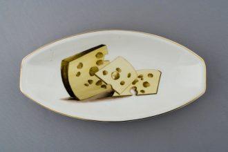 Juustu kujutis taldrikul